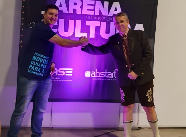 Prefeito de Blumenau e presidente do Blusoft no Case 2019